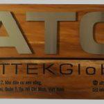 Làm bảng hiệu gỗ giá rẻ tại TP.HCM